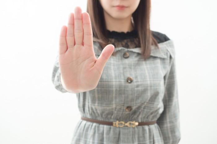 彼氏と別れたくない女性のよくある不適切な9つの行動パターン