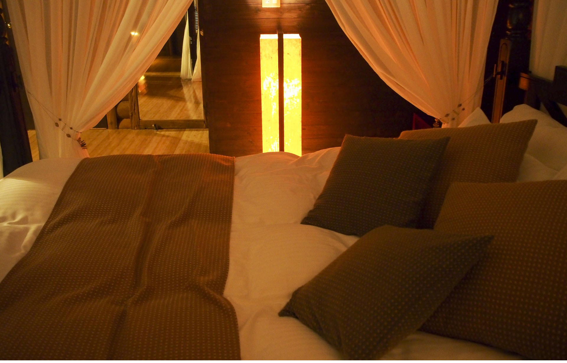 夫と浮気相手がラブホテルを利用している場合、どんな証拠を集めればいいのか